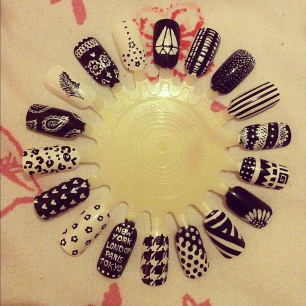 Black and white nail art wheel   Nails   Pinterest   Nail art wheel ...