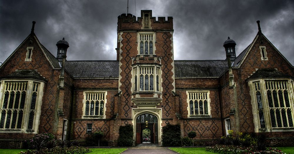 11 fictional boarding schools wed like to attend
