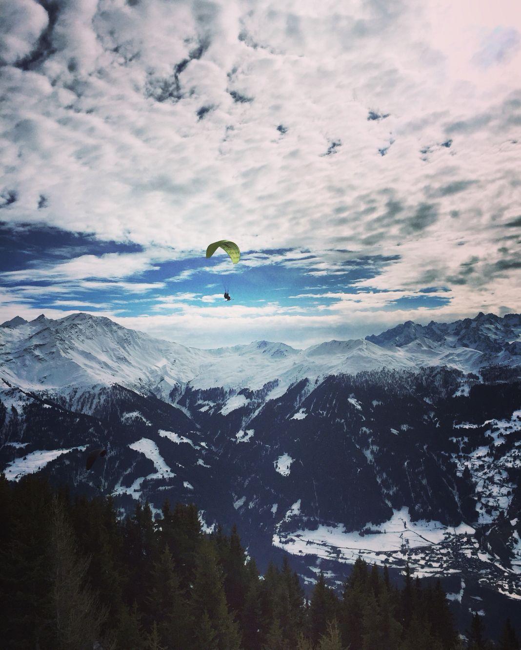 Flying high above Val de Bagnes un Verbier