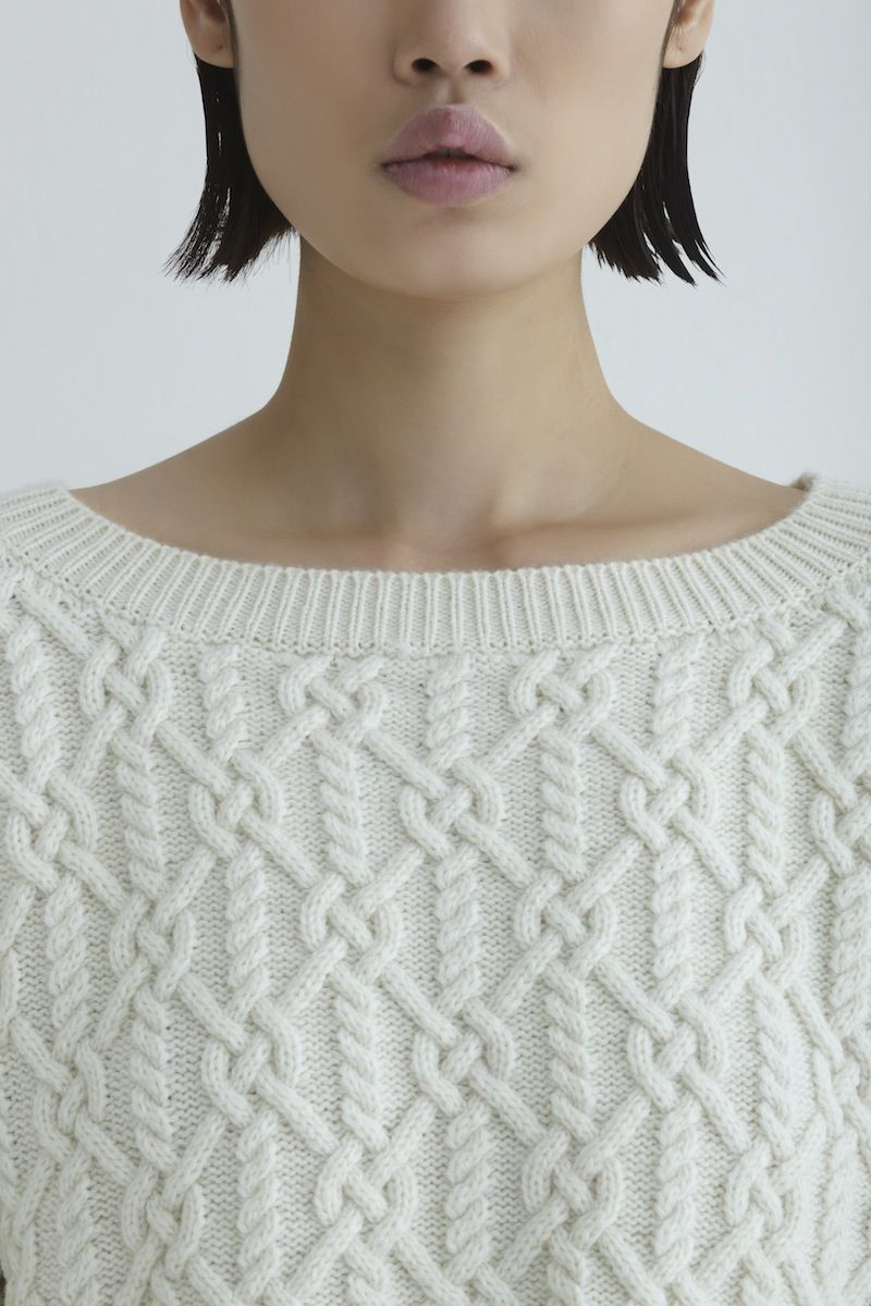 INSTANT DOWNLOAD PDF Knitting Pattern for Women/'s Cable Sweater Jumper Pullover with Cables Knitted Janus