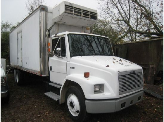 View a larger version of 1996 FREIGHTLINER FL70 Refrigerated