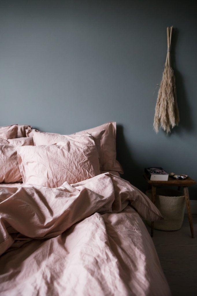 Dusty Pink Bed Linen In Sofia Woods Blue Green Bedroom Pink Bed Linen Dusty Pink Bedroom Bed Linens Luxury