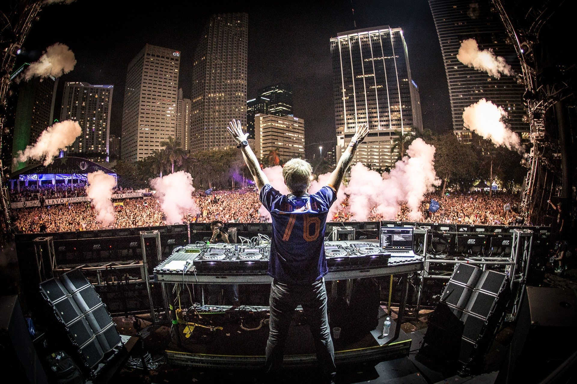 Armin Van Buuren Live At Ultra Music Festival 2014 With Images
