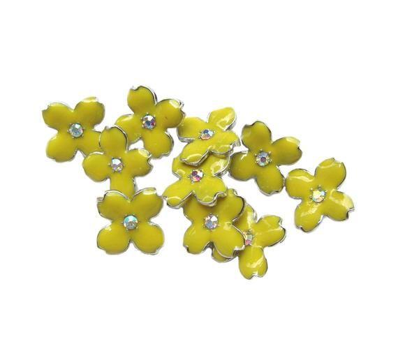 10 Yellow Enamel Hydrangea Petal buttons - Wedding Bridemaid Hair Accessories Scrapbooking RB-069Y (