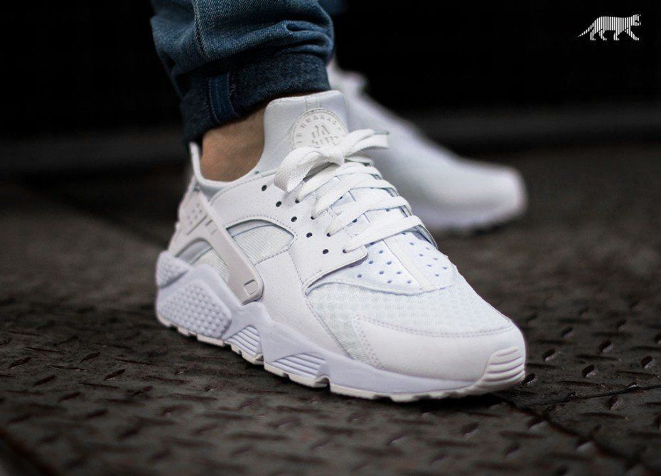 Pin By Steve Daniel On Chaussures Nike Air Huarache White Womens Sneakers Running Shoes Nike