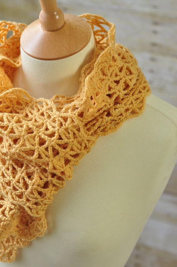 Encaje de ganchillo bufanda de lana caramelo por woolnwhite en Etsy