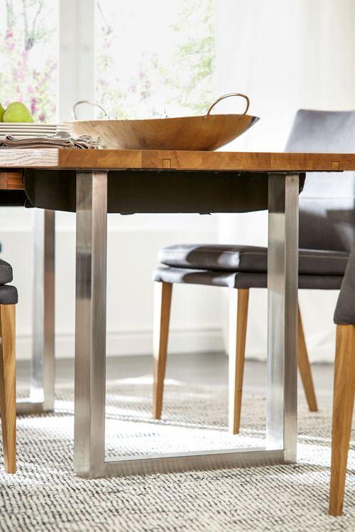 Eine schicke Verbindung: Metall und Massivholz vereint im Esstisch ...