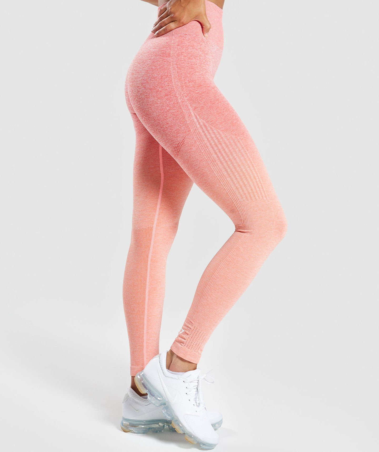 fd179eee3659e0 Gymshark Ombre Seamless Leggings - Peach Coral in 2019 ...