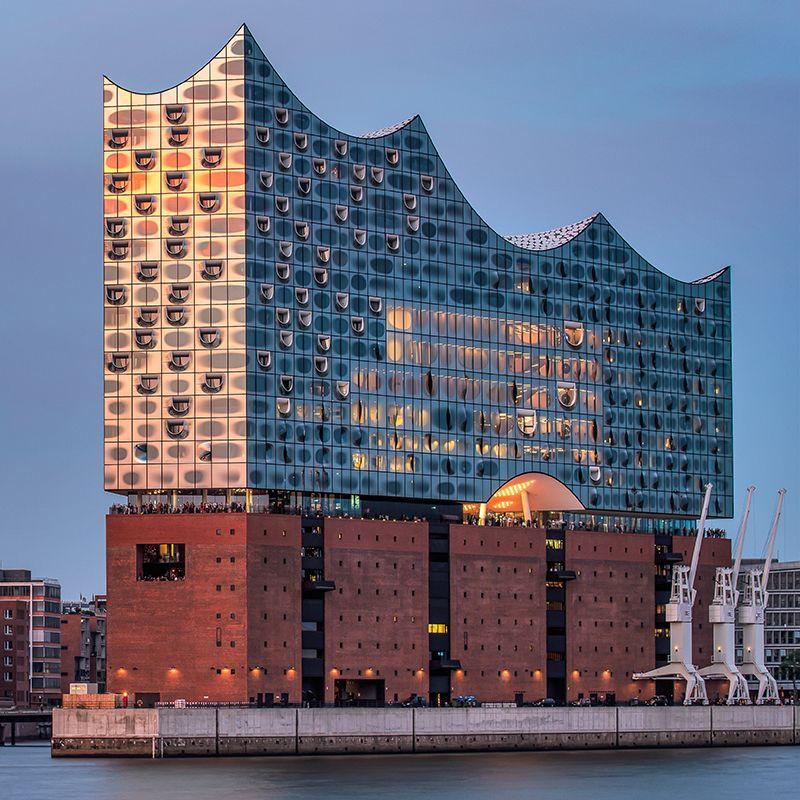 Wie Diese Fassade Abends Leuchten Kann Die Besonderen Motive Der Stadt In Unserem Neuen Shop Hamburg Elbphilharmonie Hamburg Hamburg Hafen Tumblr Fotos