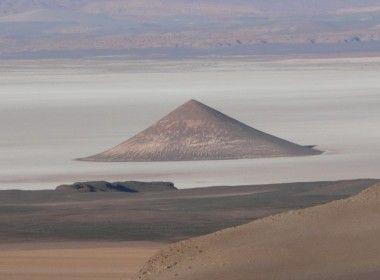 Região no norte da Argentina tem longo histórico de observações de estranhos fenômenos  O norte da Argentina, especialmente a região de Salta, tem um longo histórico de avistamentos de UFOs e...