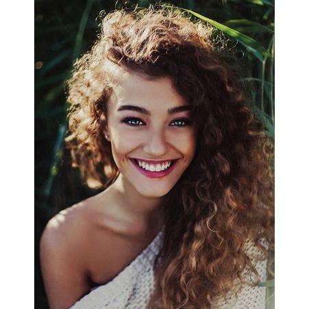 http://www.elle.fr/Beaute/Cheveux/Coupe-de-cheveux/Cheveux-boucles