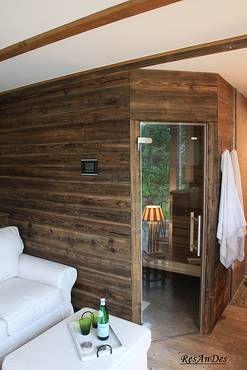 Sauna Verkleidet Mit Altholzschalung Holzdesign Holzwand