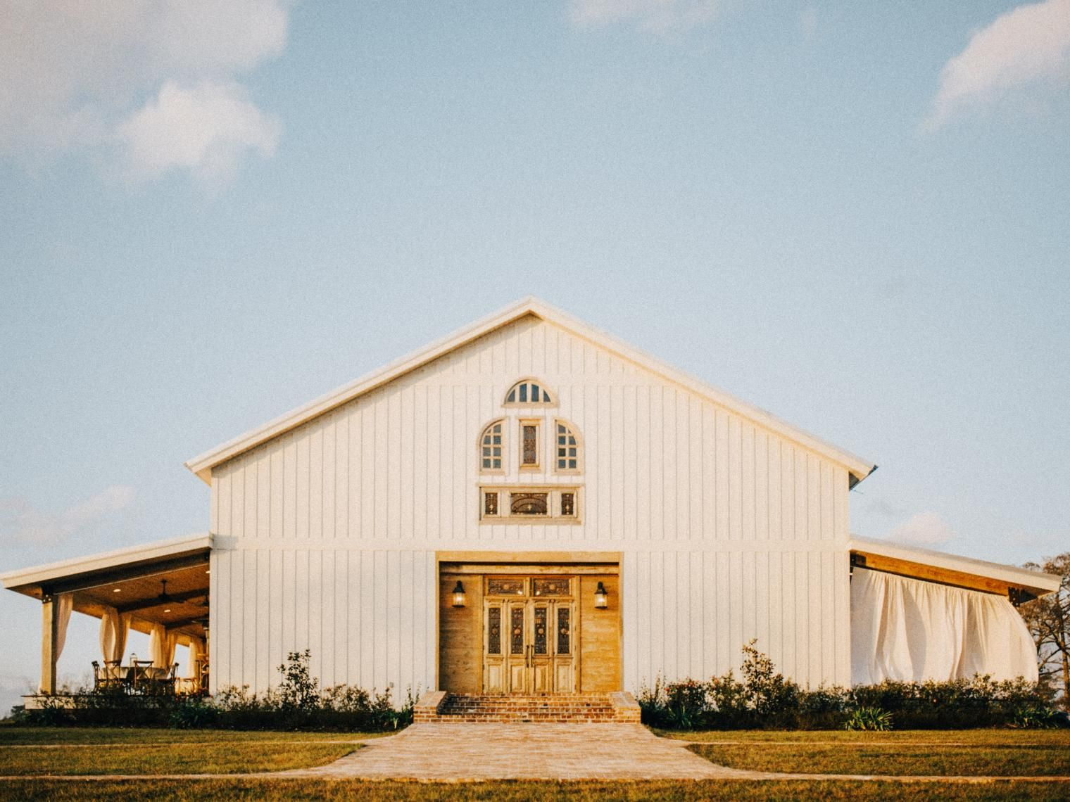 90 Beautiful Barn Venues Across the USA | House exterior ...