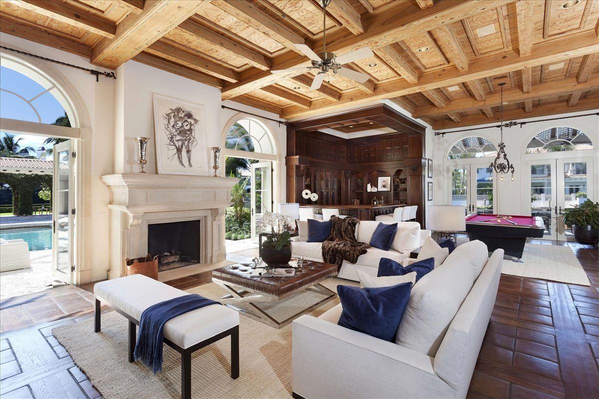 Luxury homes in Gorgeous Boca Raton deepwater estate