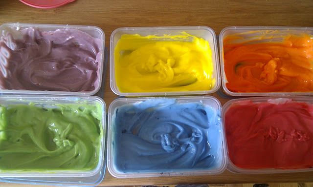edible corn flour paint. Perfect for little ones who put everything in their mouths!
