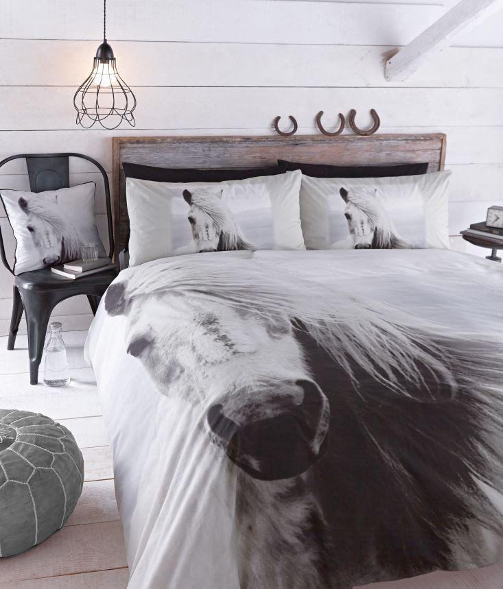 Catherine Lansfield Black And White Horse Duvet Horse