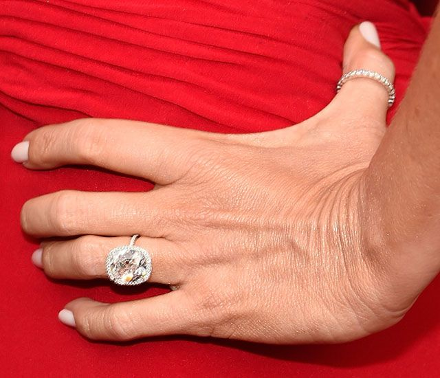 Sofia Vergara Shows Off Huge Ring Talks Engagement Im Excited About