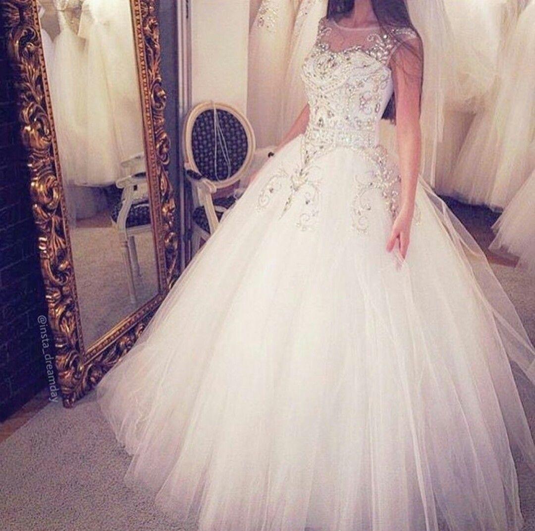 Pin by lénobia on robes de rêve pinterest weddings