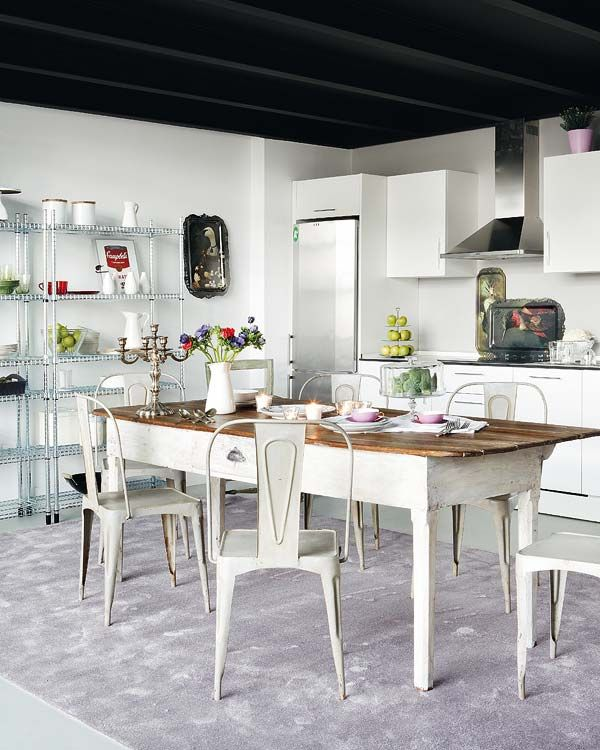 A luminous and charming loft in Madrid | Mesa rústica, Cocina ...