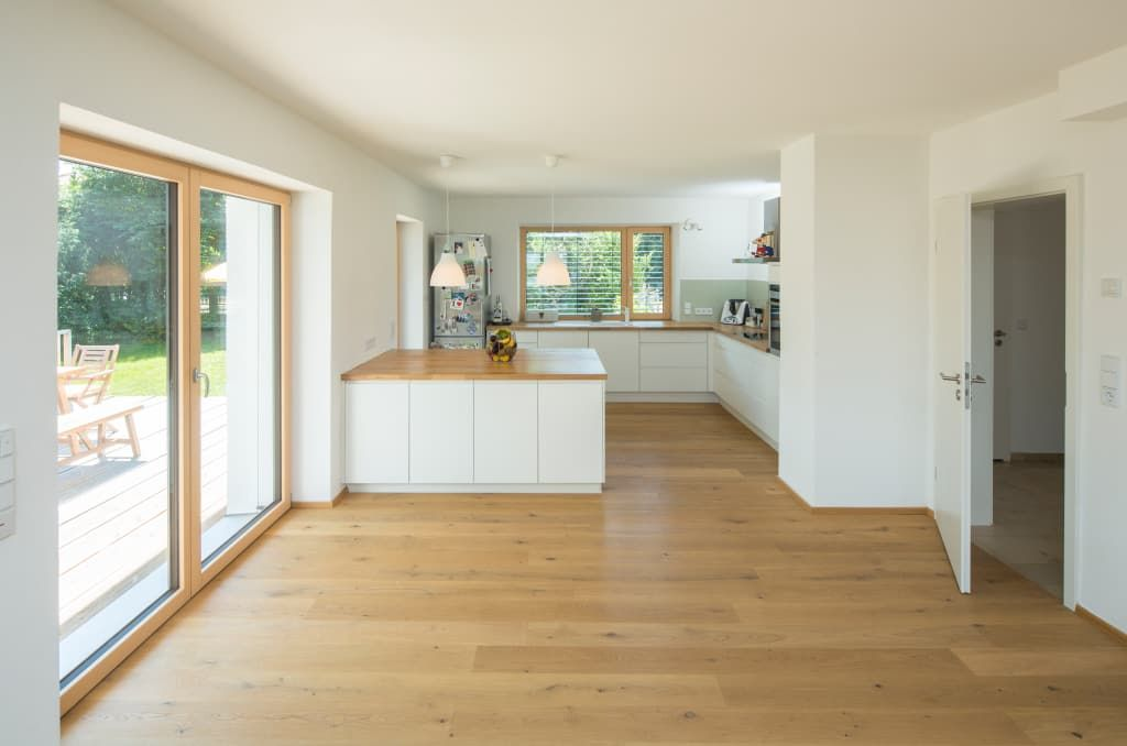 Photo of Efh h-k. cucine moderne di brack architekten piastrelle moderne   homify