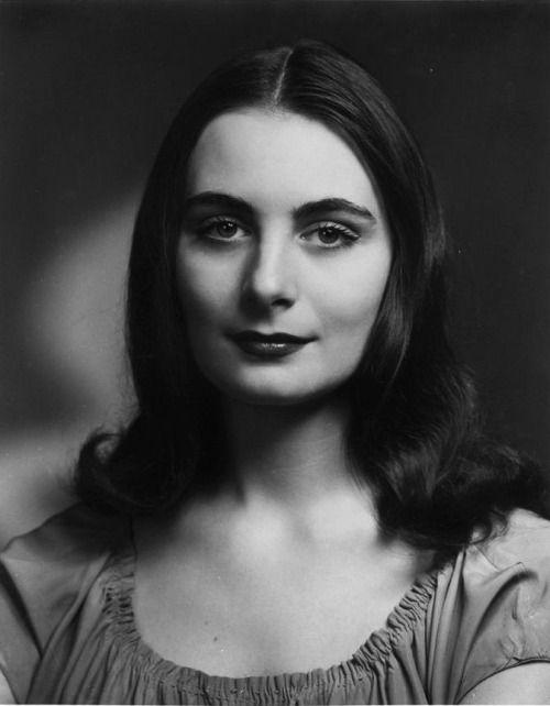 Ballerina Ricki 'Enrica' Soma (1930-1969), Anjelica Huston's mother