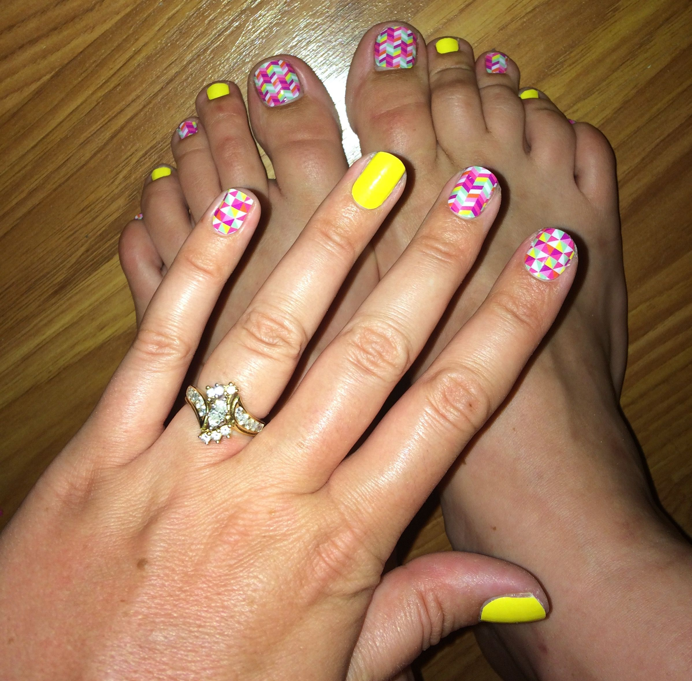 Jamberry paper mâché and yellow mani/pedi from my nail design studio ...