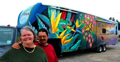 Vance and Kathleen Hamiliton's Painted Fifth Wheel on Starling Travel