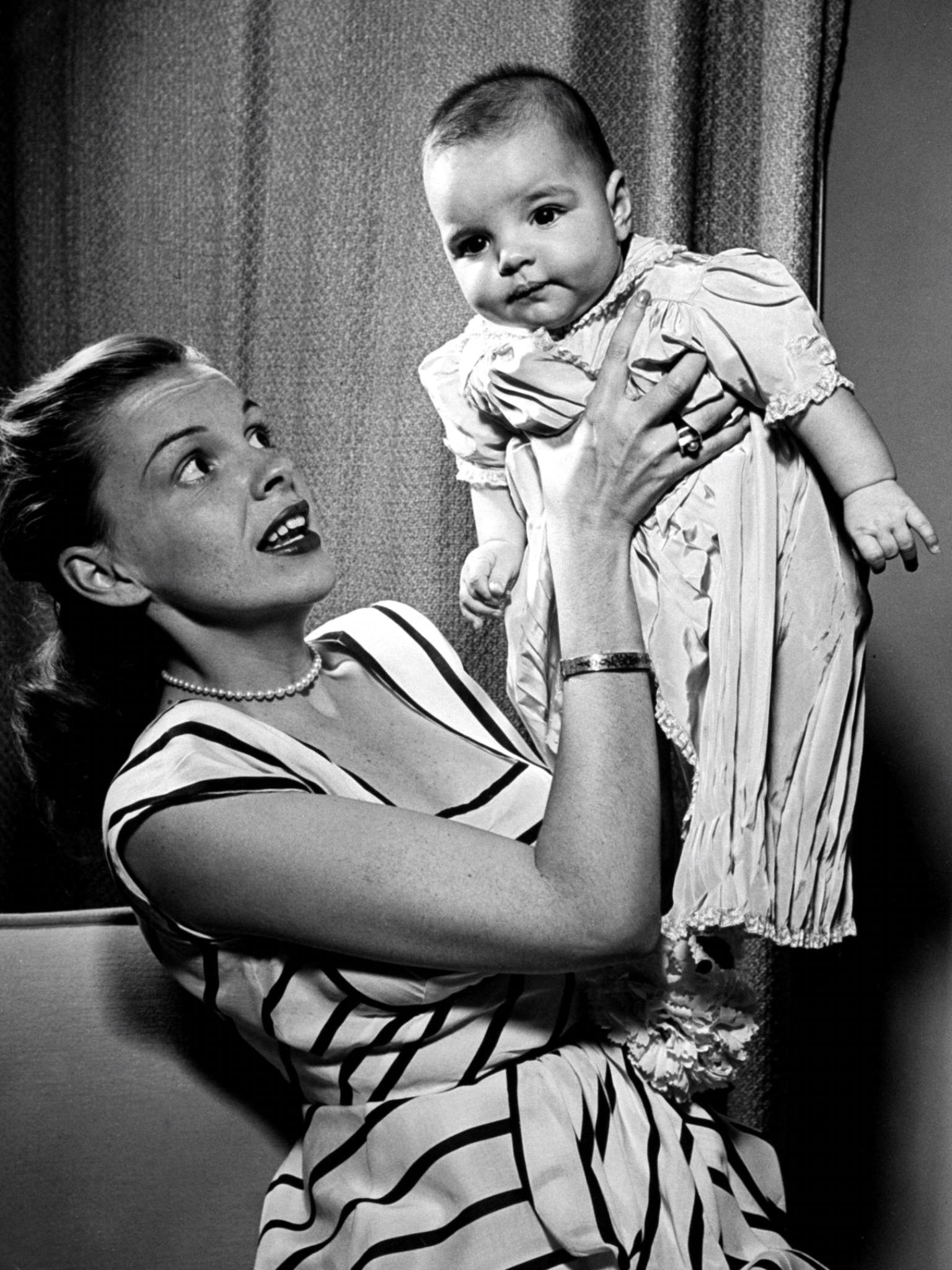 Judy Garland and Liza Minnelli, 1946 | Judy Garland (1922