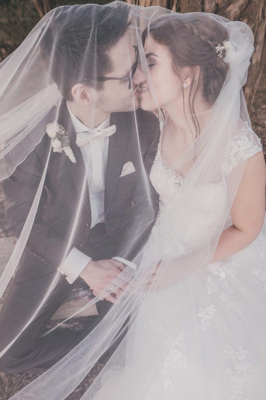 Das #Brautpaar verschleiert einmal anders. <3 Foto: Ramona Müller