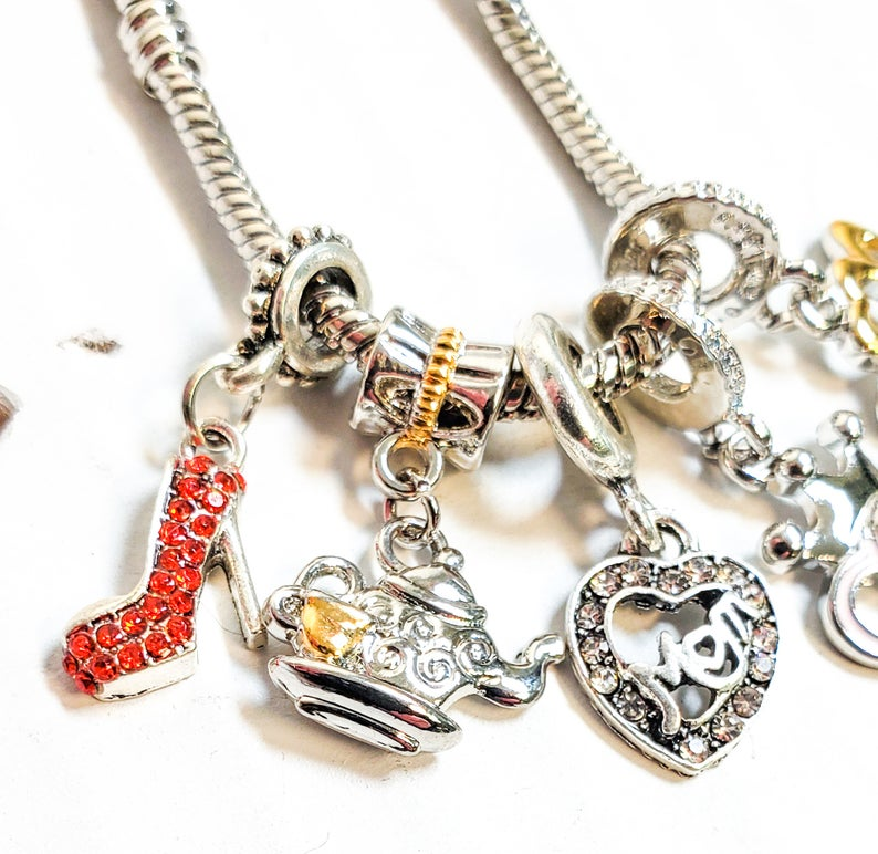 Sterling Silver 7 4.5mm Charm Bracelet With Attached 3D Sea Lion Charm