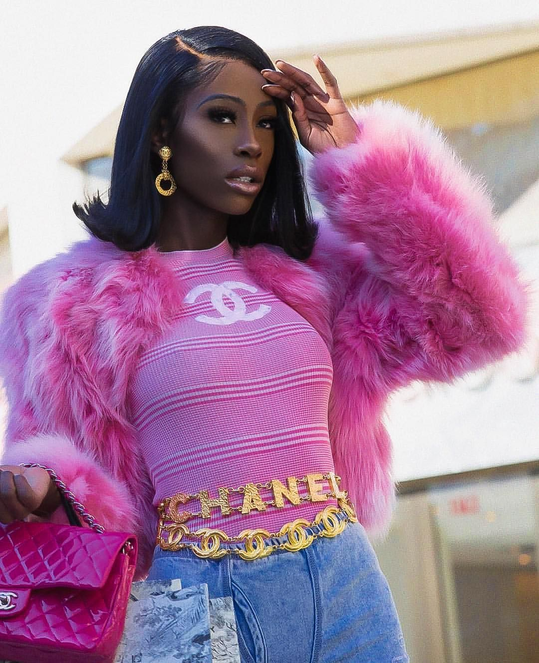 California Black Girl Fashion: 𝒮𝒽𝑒 𝒲𝒶𝓃𝓉 𝒞𝒽𝒶𝓃𝑒𝓁 𝒢𝑜 𝒢𝑒𝓉 𝒾𝓉💕 #fashion #fashionable