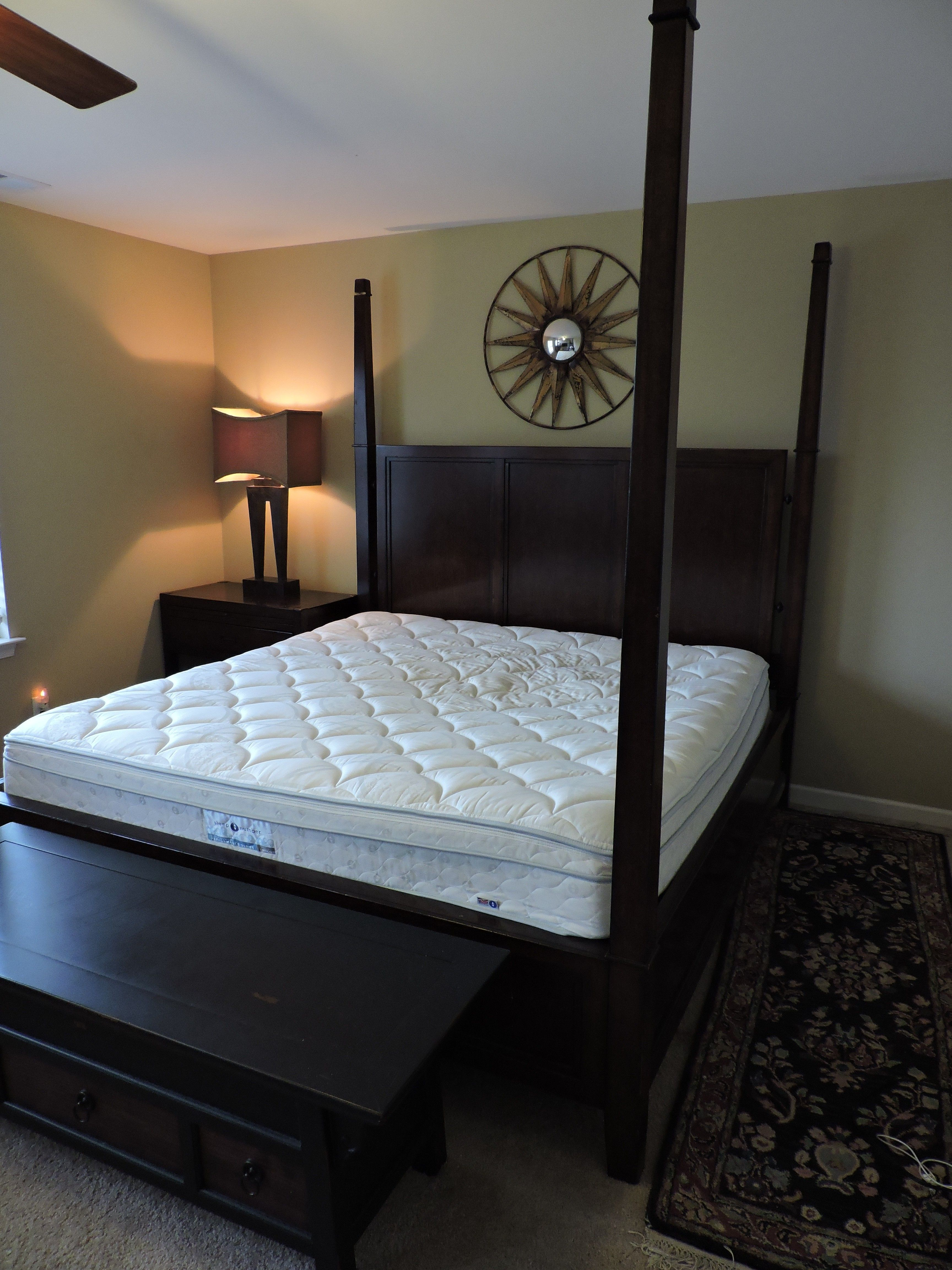 KING Bedroom Set Thomasville w/ Mattress Sleep Number