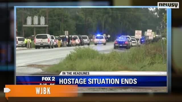 VIDEO: Two Dead in La. Bank Hostage Situation - http://uptotheminutenews.net/2013/08/14/u-s-news-report/video-two-dead-in-la-bank-hostage-situation/