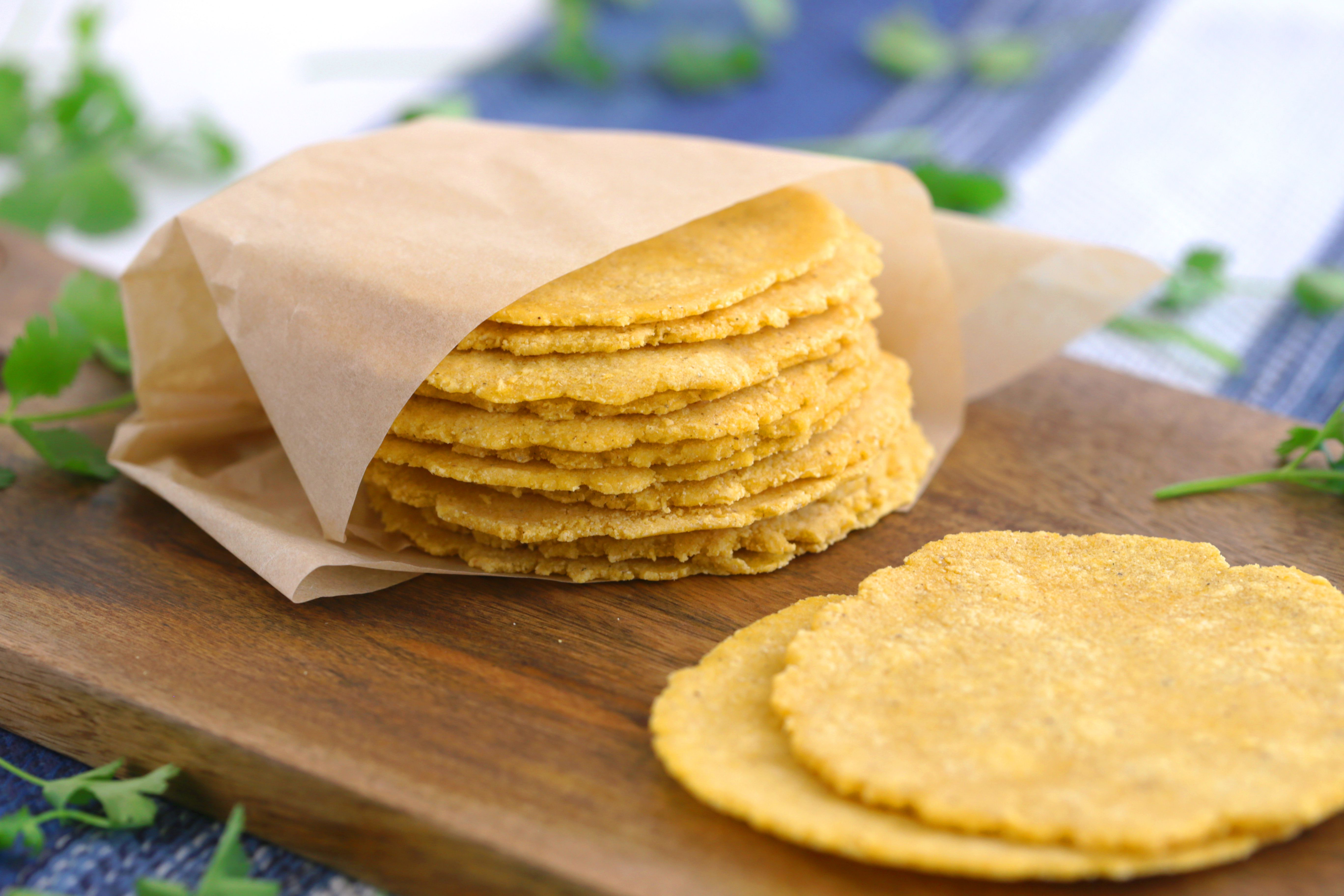 Homemade Corn Tortillas 3 Ingredients Gluten Free Mind Over Munch Recipe Homemade Corn Tortillas Corn Tortillas Ingredients Recipes