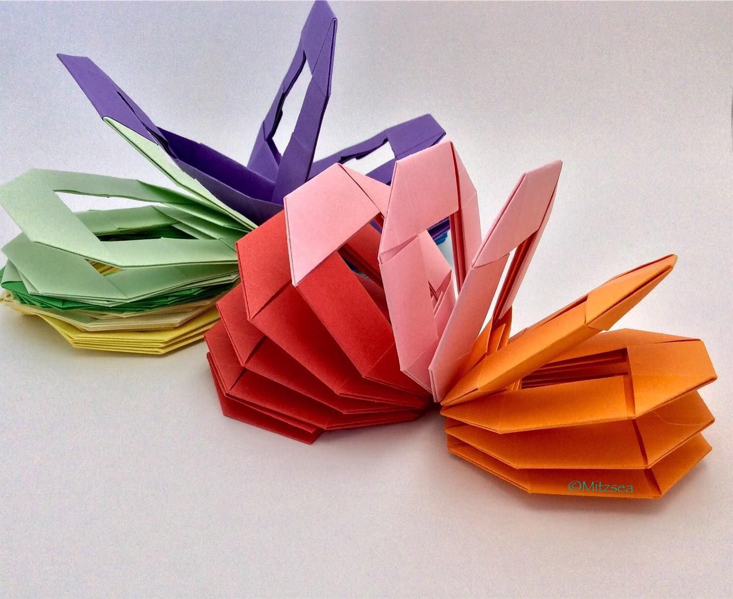 My Favourite Part About Origami Is Making Toys I Like The Patterns That Move And Work This Slinky Pattern Is Perfect B In 2020 How To Make Toys Paper Toys Slinky Toy