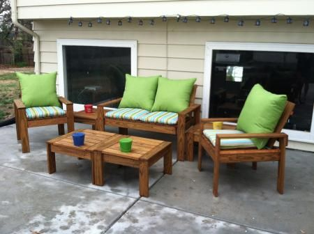 Week-long project for 7-piece patio set - Simple Outdoor Conversation Set |  Do It Yourself Home Projects from Ana White - Week-long Project For 7-piece Patio Set - Simple Outdoor