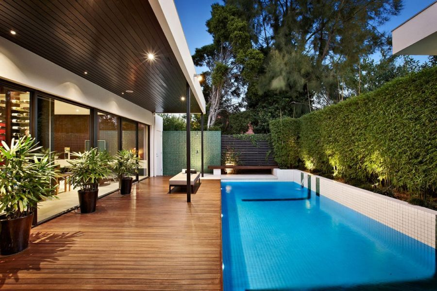 Stylish Melbourne Home Dazzles With A Lavish Pool Space Backyard Pool Designs Backyard Pool Swimming Pool House