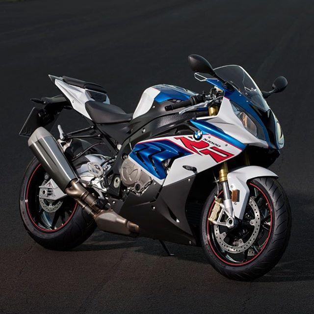 Nouvelle Bmw S 1000 Rr Makelifearide Bmwmotorrad S1000rr Rr Race Bmw S1000rr Bmw S Bmw Sport