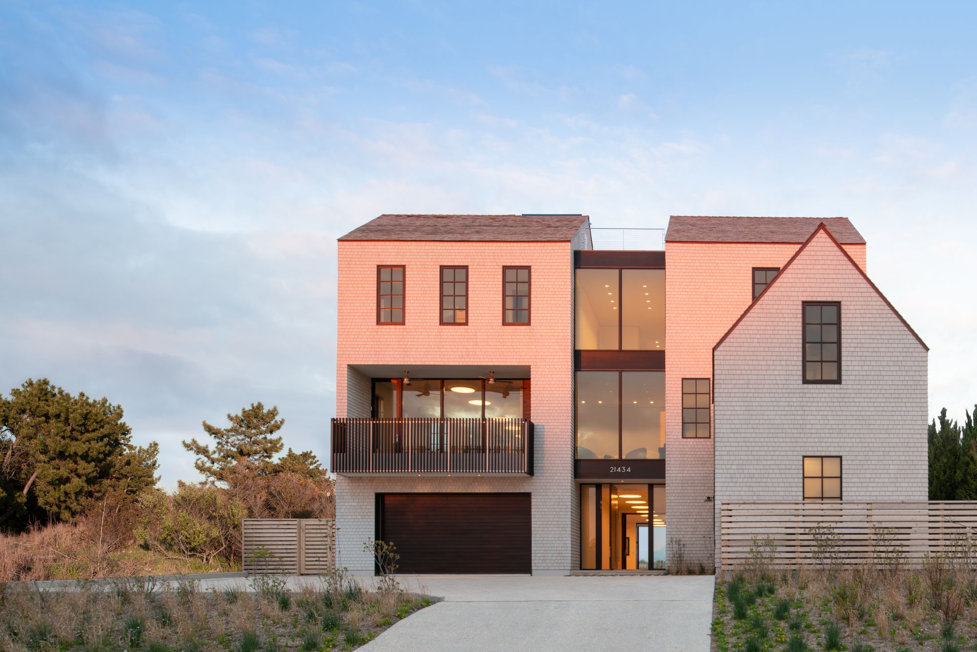 East Lake Beach House Robert M Gurney Faia Architect In 2020 Lake Beach House Architect Lake Beach