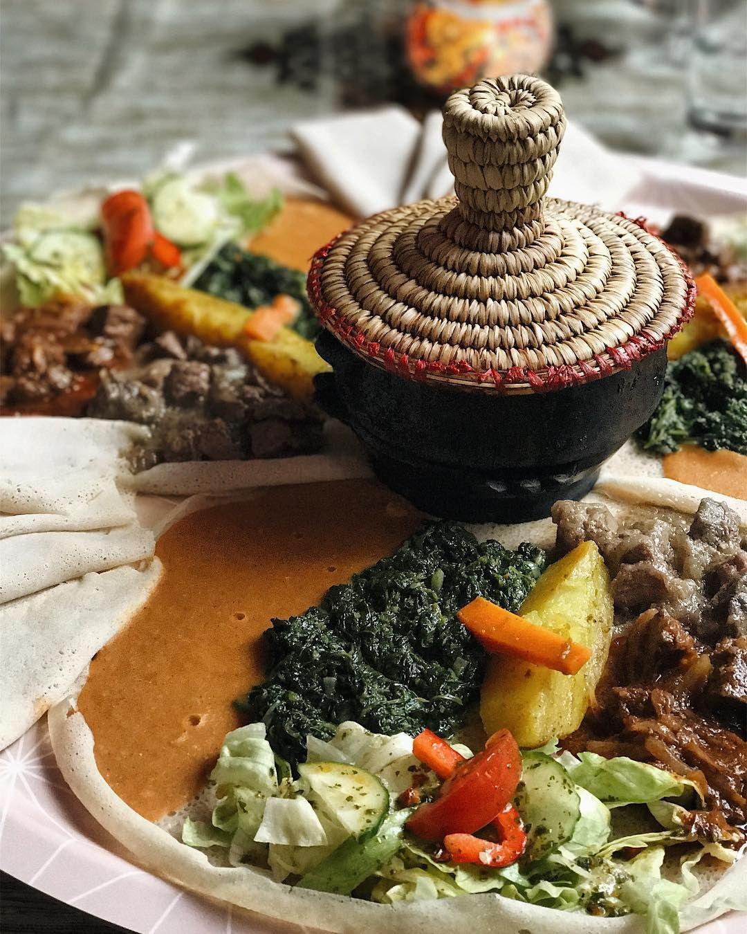 Lalibela Eating Ethiopian In Los Angeles S Little Ethiopia