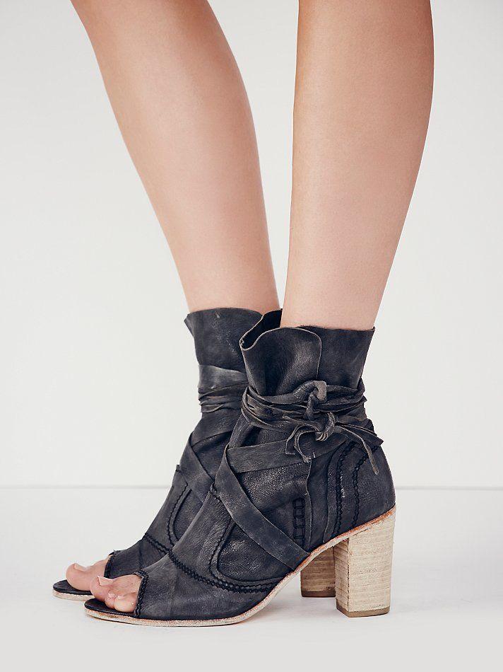 4e54774ebe52 Daydream Heel Boot