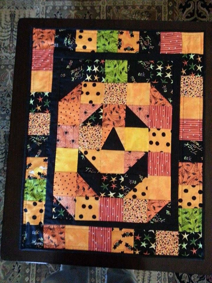 Halloween Pumpkin Wall Hanging Halloween Quilt Patterns Holiday Quilts Halloween Quilts