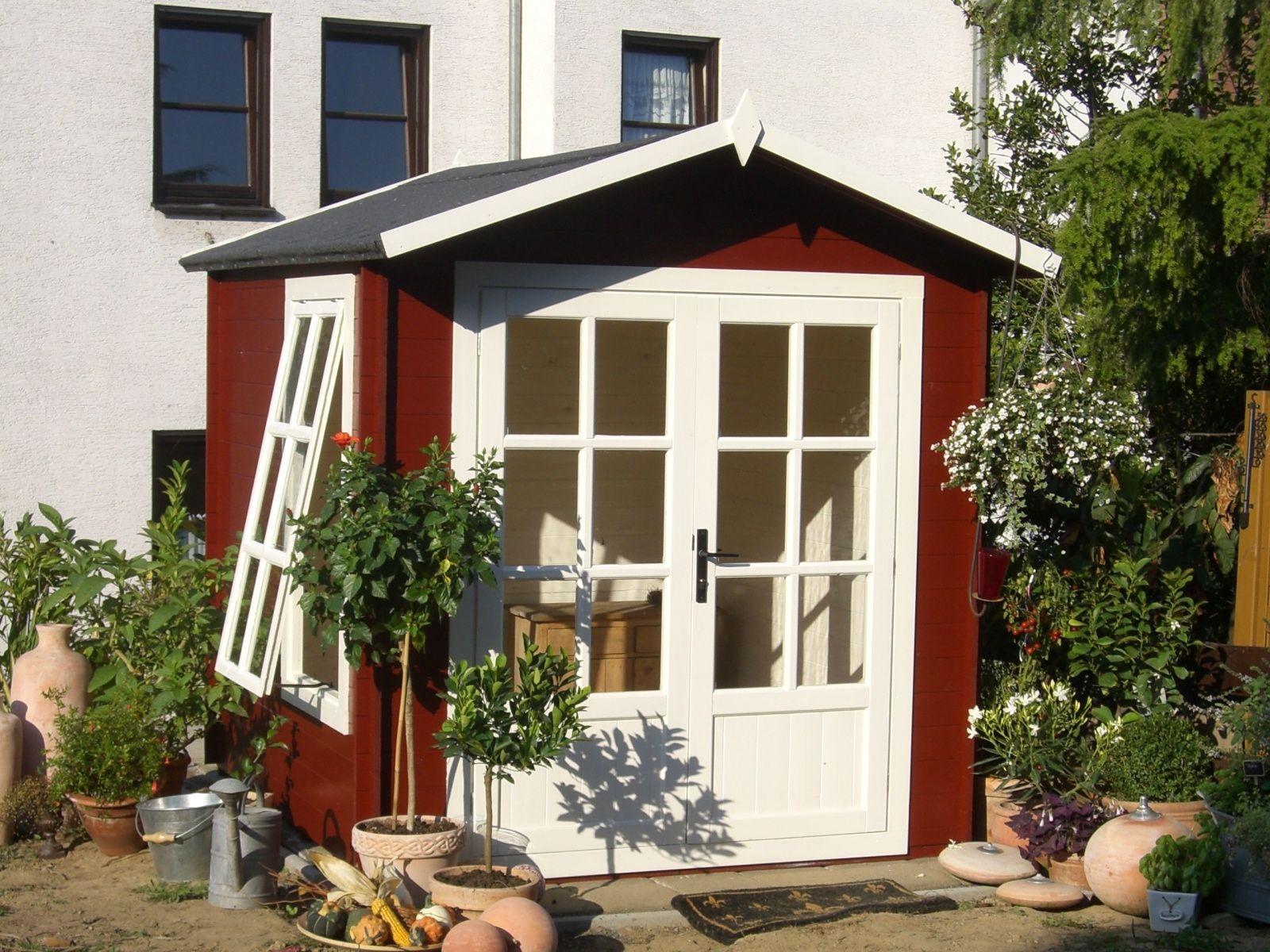 Schwedenhaus gartenhaus  Schwedenrot & stilvoll: Die schönsten Schwedenhaus-Gartenhäuser ...