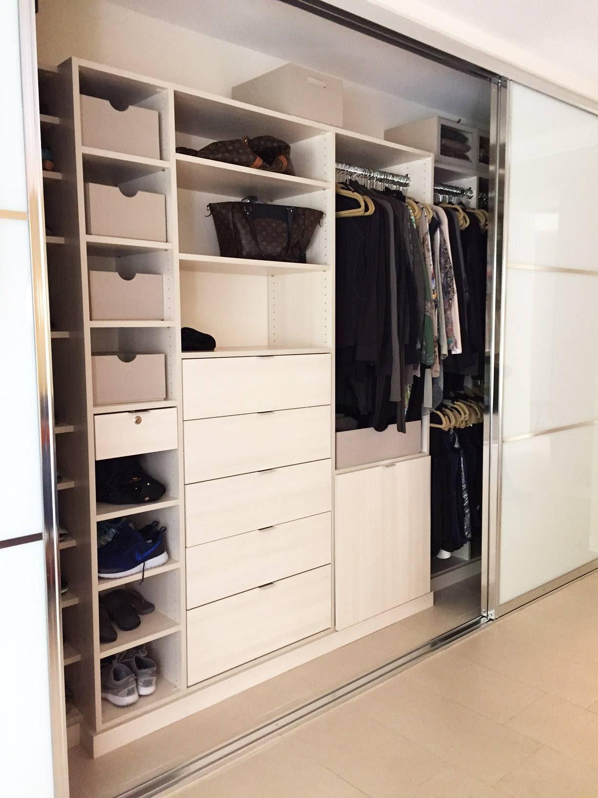 Custom Closets Like This Secret Melamine System Allow You To Maximize Every Inch Of Space Behind Sliding Doo Custom Closets Reach In Closet Closet Organizers