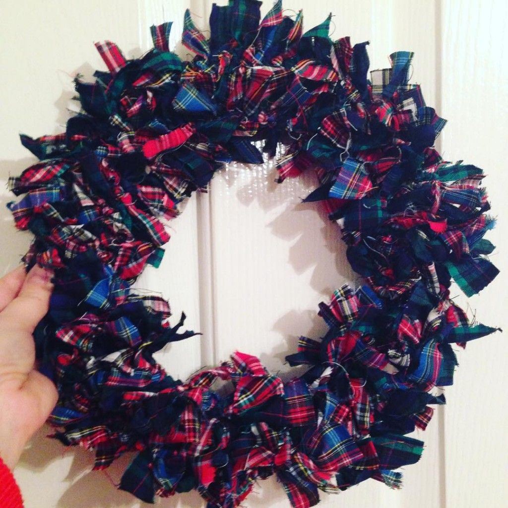 Photo of How to make a Christmas rag wreath for under £5