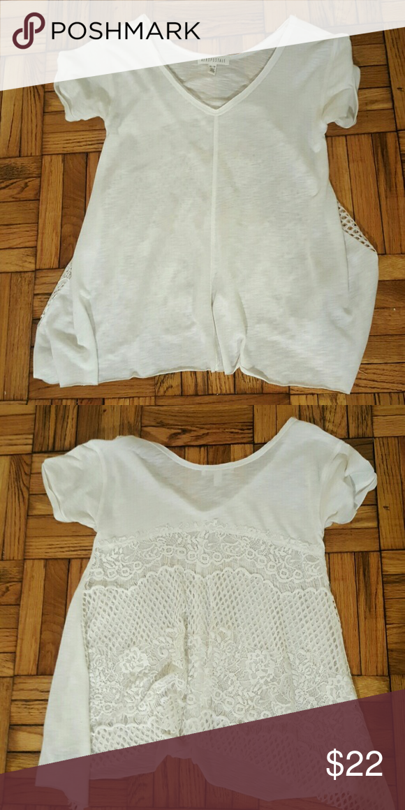 AEROPOSTALE White Lace Back Tee Aeropostale White Tee with Lace Back / Size XS / No signs of damage. Aeropostale Tops