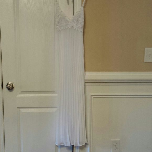 New white maxi chemise Long white pleated chemise flora Intimates & Sleepwear Chemises & Slips