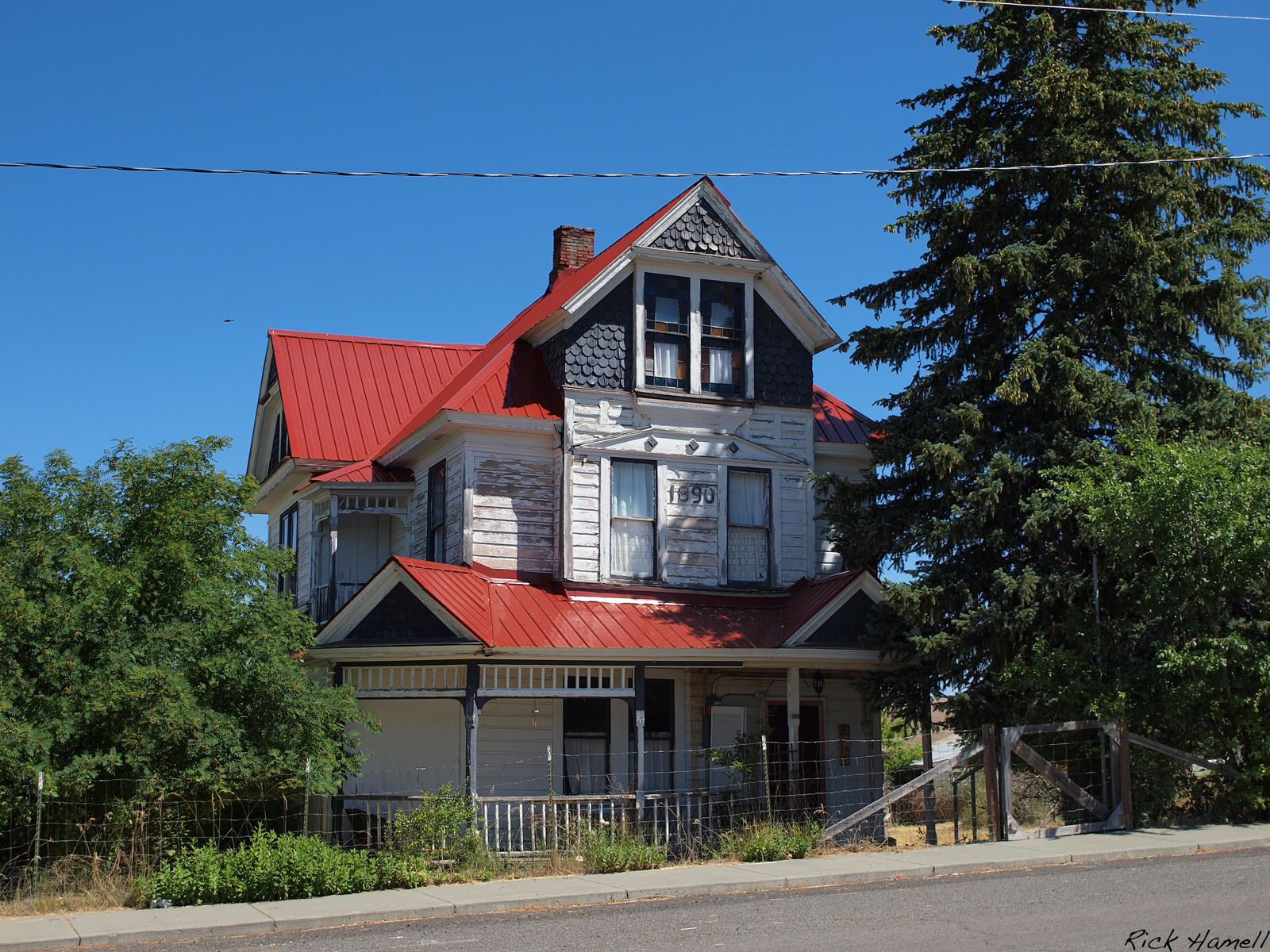 Ghost Town Of Hamilton Oregon With Images Abandoned Houses Historic Homes For Sale Historic Homes,Design Your Own Kitchen Online 3d Free