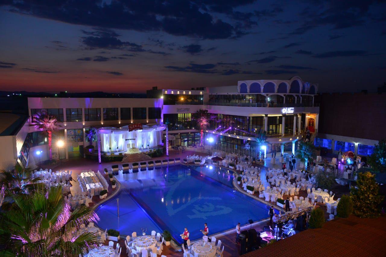 Light blue wedding decoration ideas  Ideas in wedding decorations Elegant Wedding details pool decor