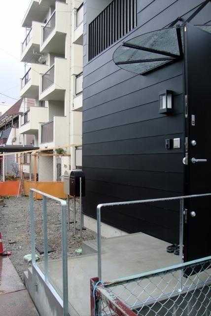 外観(狭小間口の木造3階建て住宅) - 外観事例|SUVACO(スバコ)